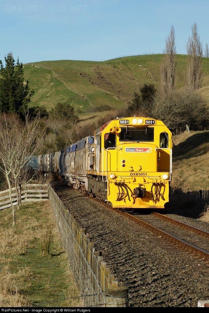 RailPictures.Net Photo: 5051 Kiwi Rail DXB class at Napier, New Zealand by William Rutgers