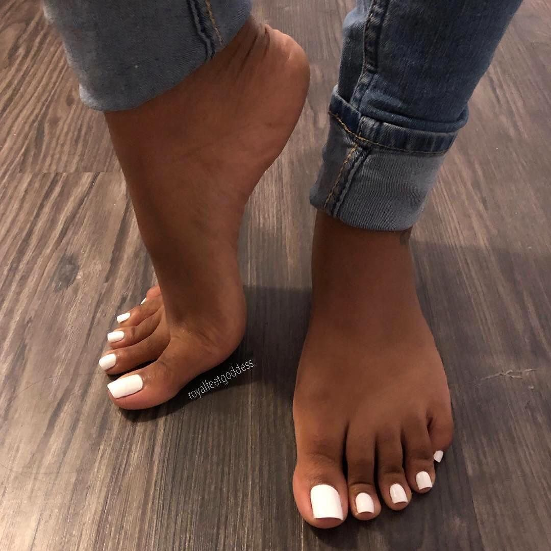 White girls with pretty feet