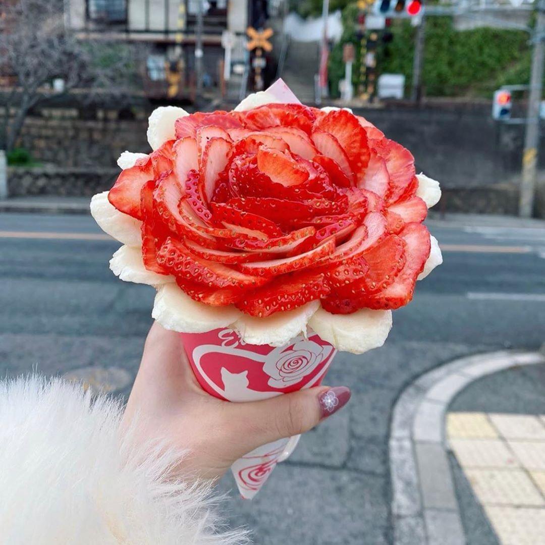 @RETRIP Gourmet: 【RETRIP×広島】 こちらは広島にある「エタニティ」です。クレープ専門店のこちらでは、まるでブーケのようなクレープが食べられます。今の季節は苺が大人気。写真...      #RETRIP, #RETRIPGourmet, #RETRIPJapan, #RetripGourmet, #RetripRh, #RetripSweets, #いちご, #いちごスイーツ, #エタニティ, #カフェ好きな人と繋がりたい, #カフェ部, #グルメ好き, #グルメ好き