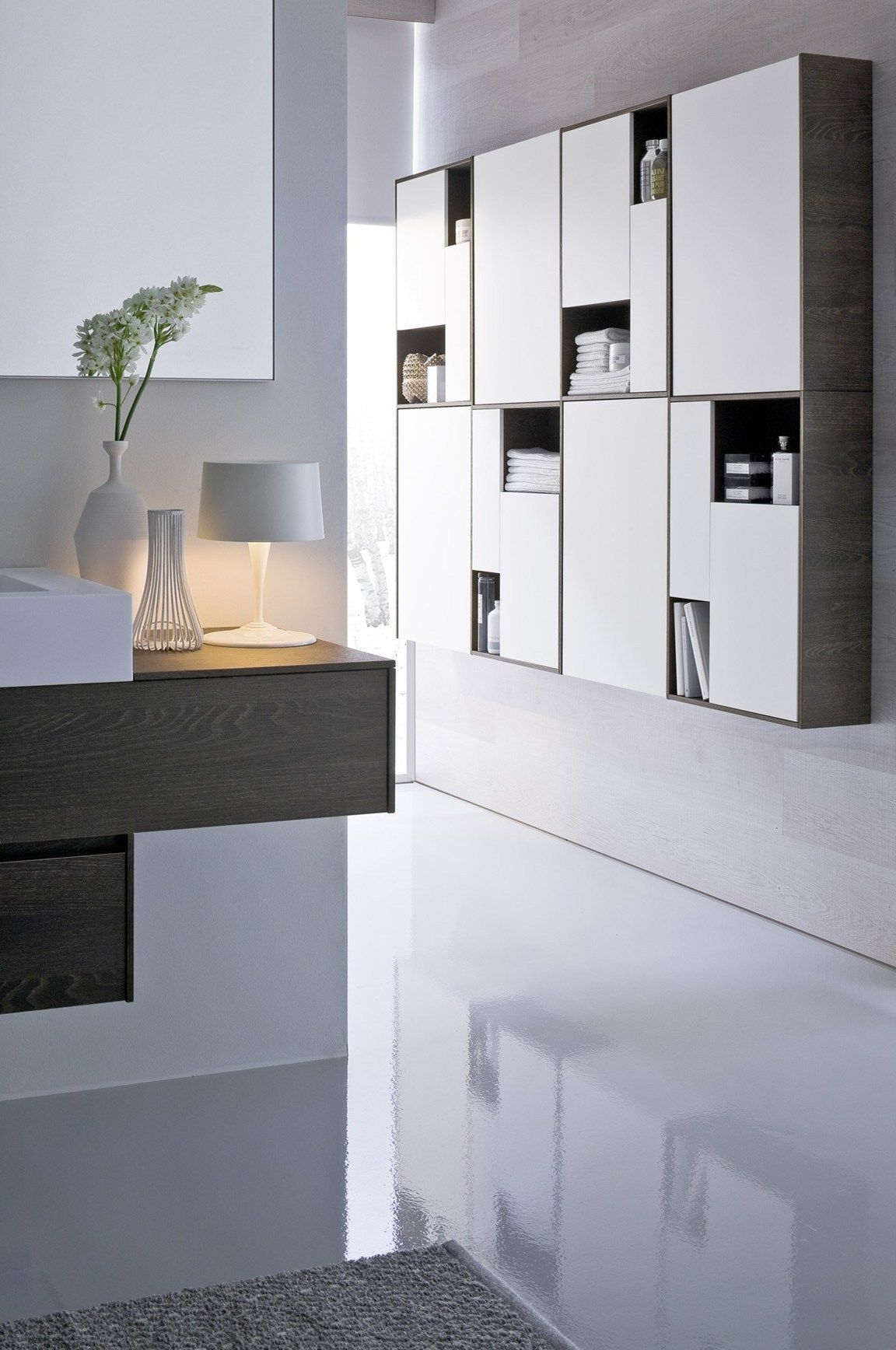 Stylistic continuity for bathroom and walk-in closet space