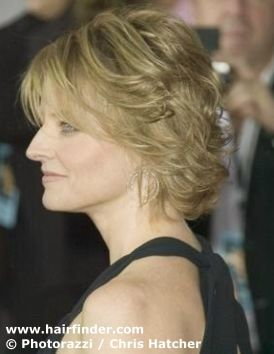 Jodie Foster Medium Length Hairstyle With Layers Short Hair Styles Semi Short Hair Hairstyle