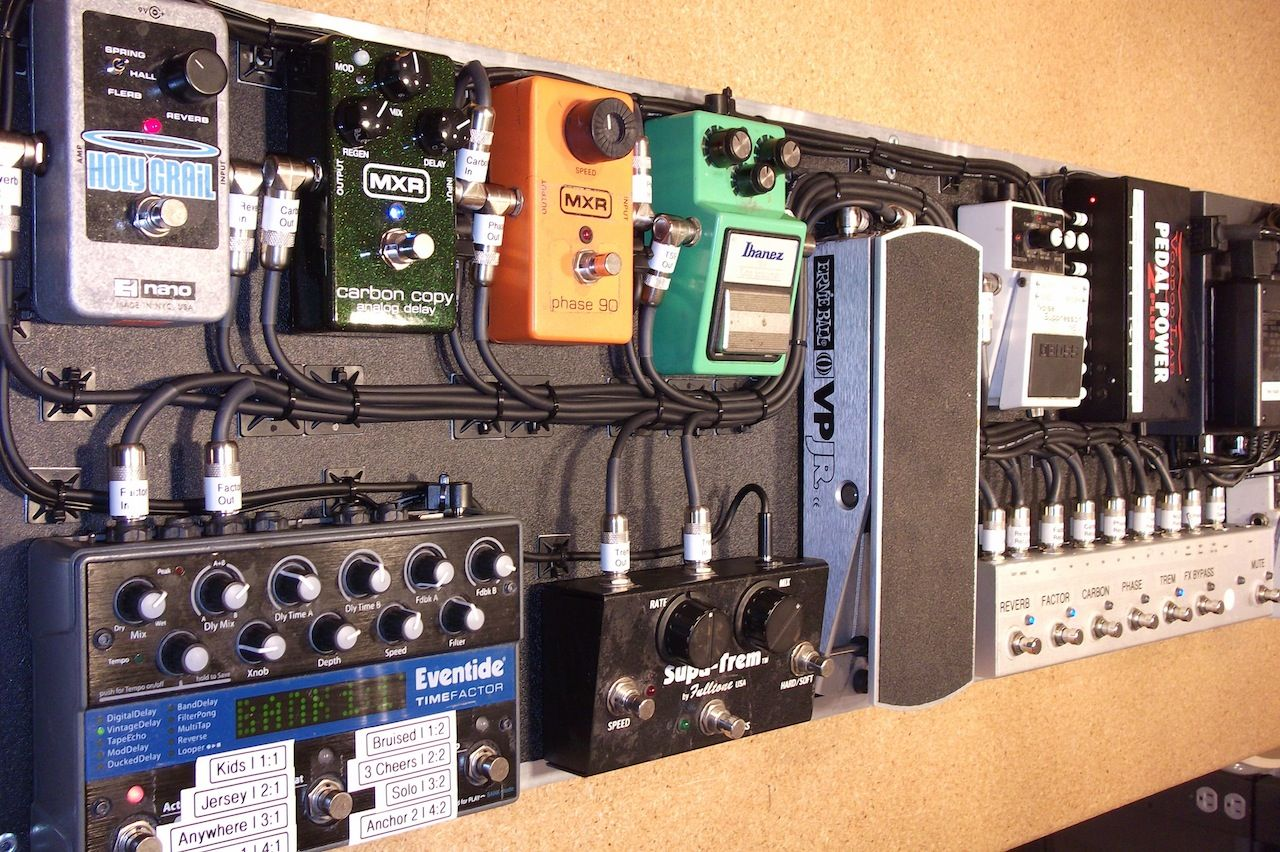 guitar fly rig for guitarist alex garcia of mayday parade nice rack canada [ 1280 x 852 Pixel ]