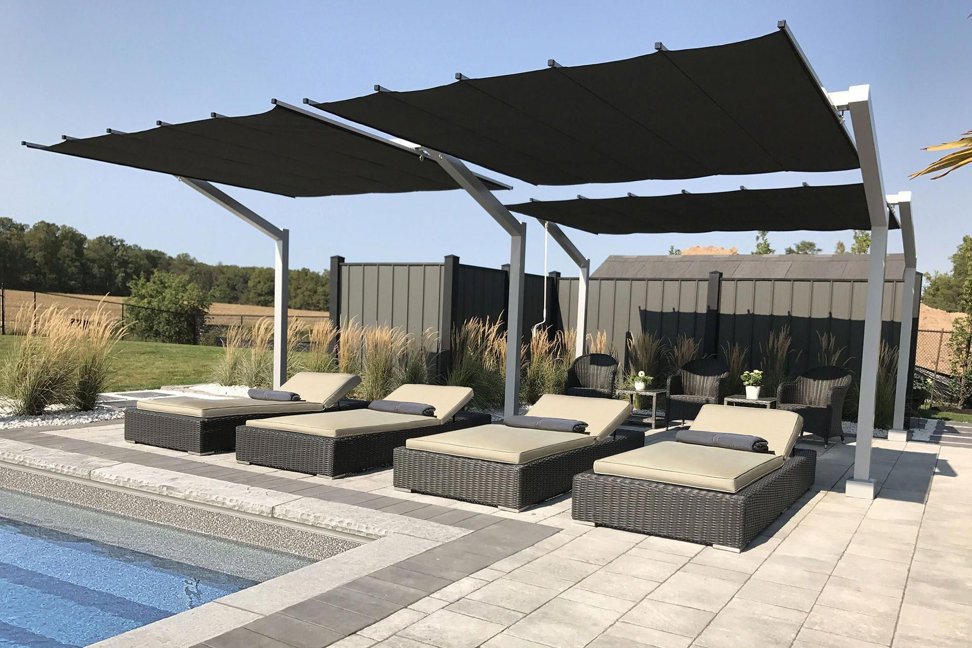 Shadefx S Newest Product The Freestanding Retractable Canopy Offers Functional Shade And Wind Resistant Coverage When Lounging By Pool Pergolasizes