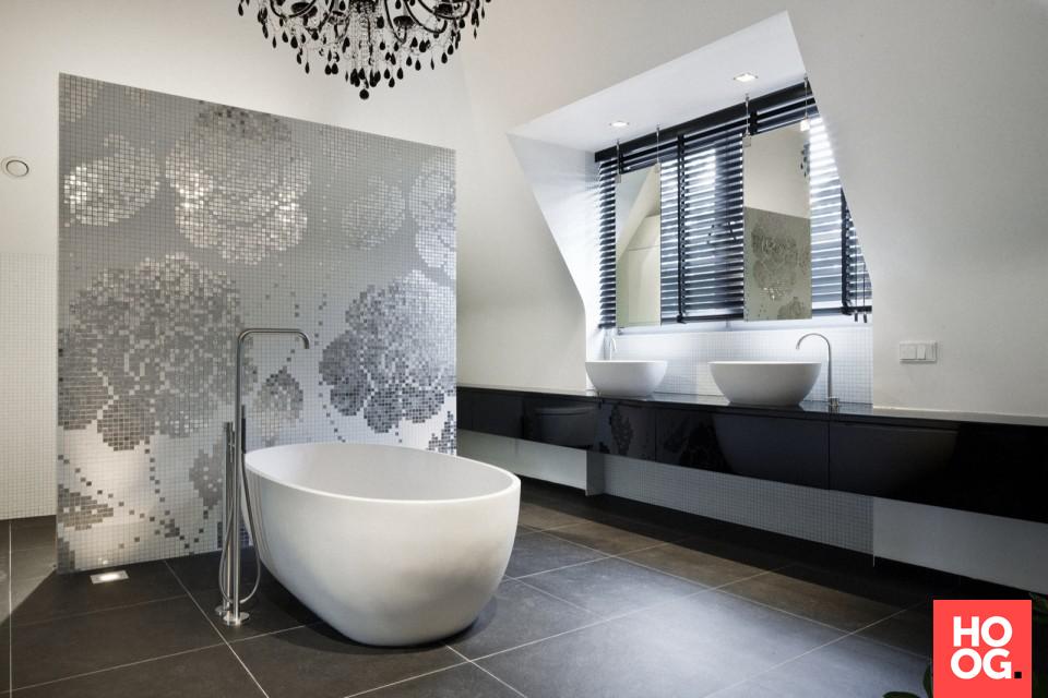 Glasmozaiek Voor Badkamer : Sennah studio badkamer 12 badkamer met badkuip en glasmozaïek en