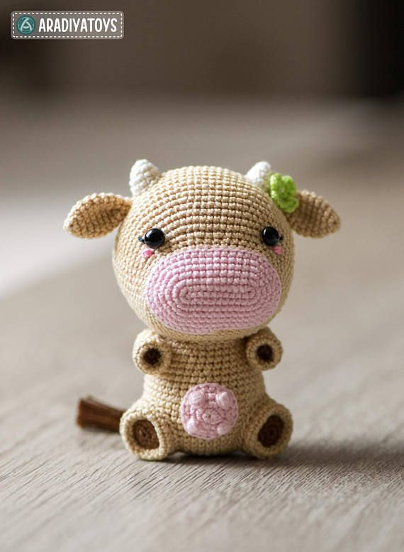 Crochet Pattern of Cow Mia from \