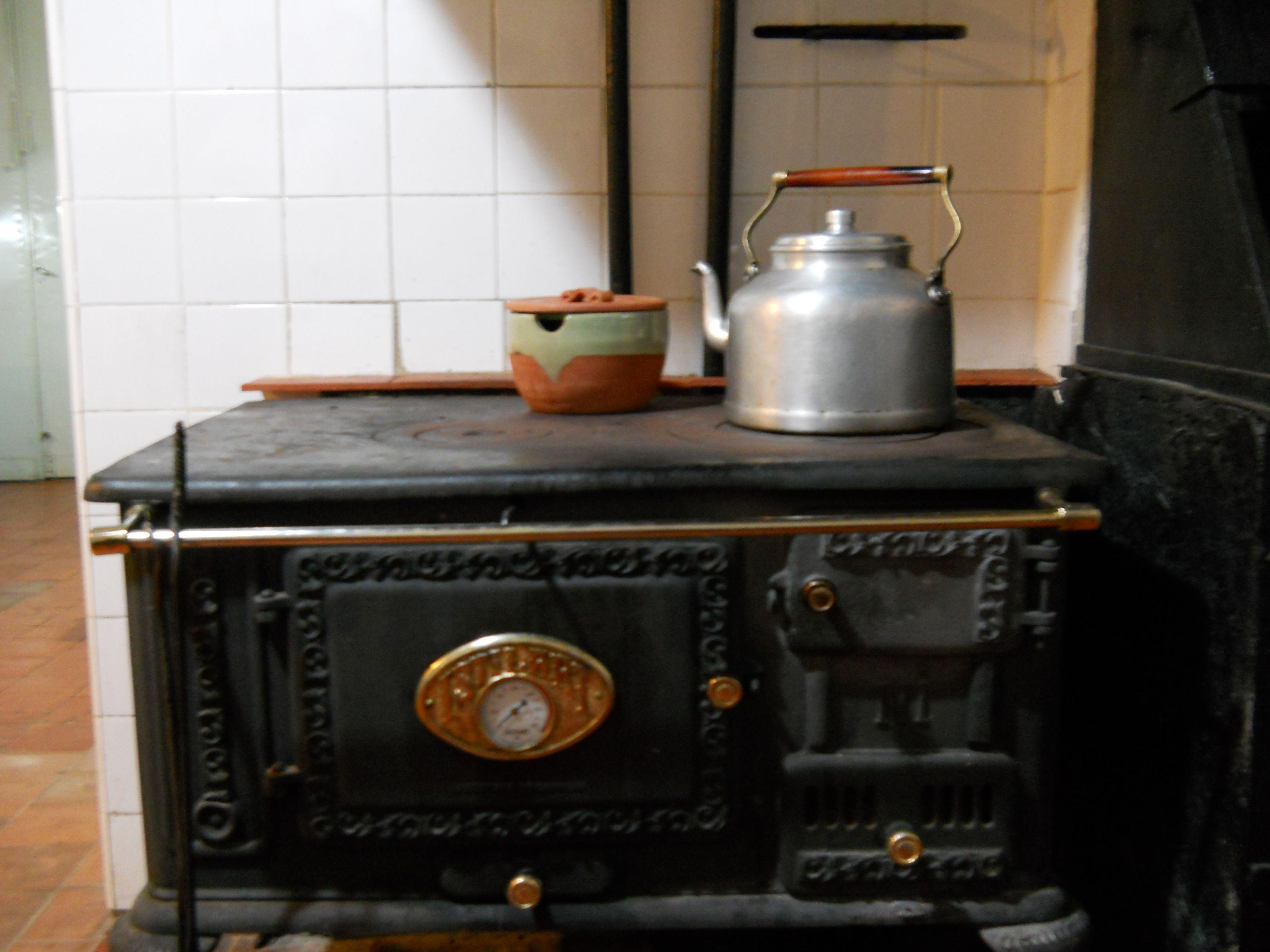 Olla de barro para la cocina de leña