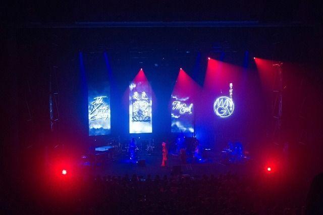椎名林檎、初期曲から事変、SMAPのあの曲までを魅せた圧倒的120分をレポート! (画像 3/8)| 邦楽 ニュース | RO69(アールオーロック) - ロッキング・オンの音楽情報サイト