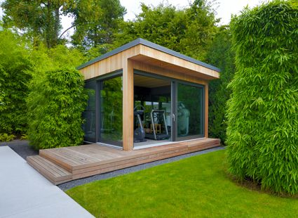 Exklusives Gartenhaus als Fitnessraum im Garten