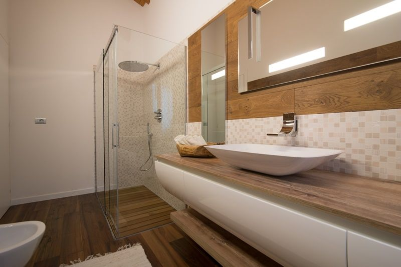 Idee Arredo Bagno Rustico : Arredare un bagno rustico contemporaneo: ispirazioni e idee da