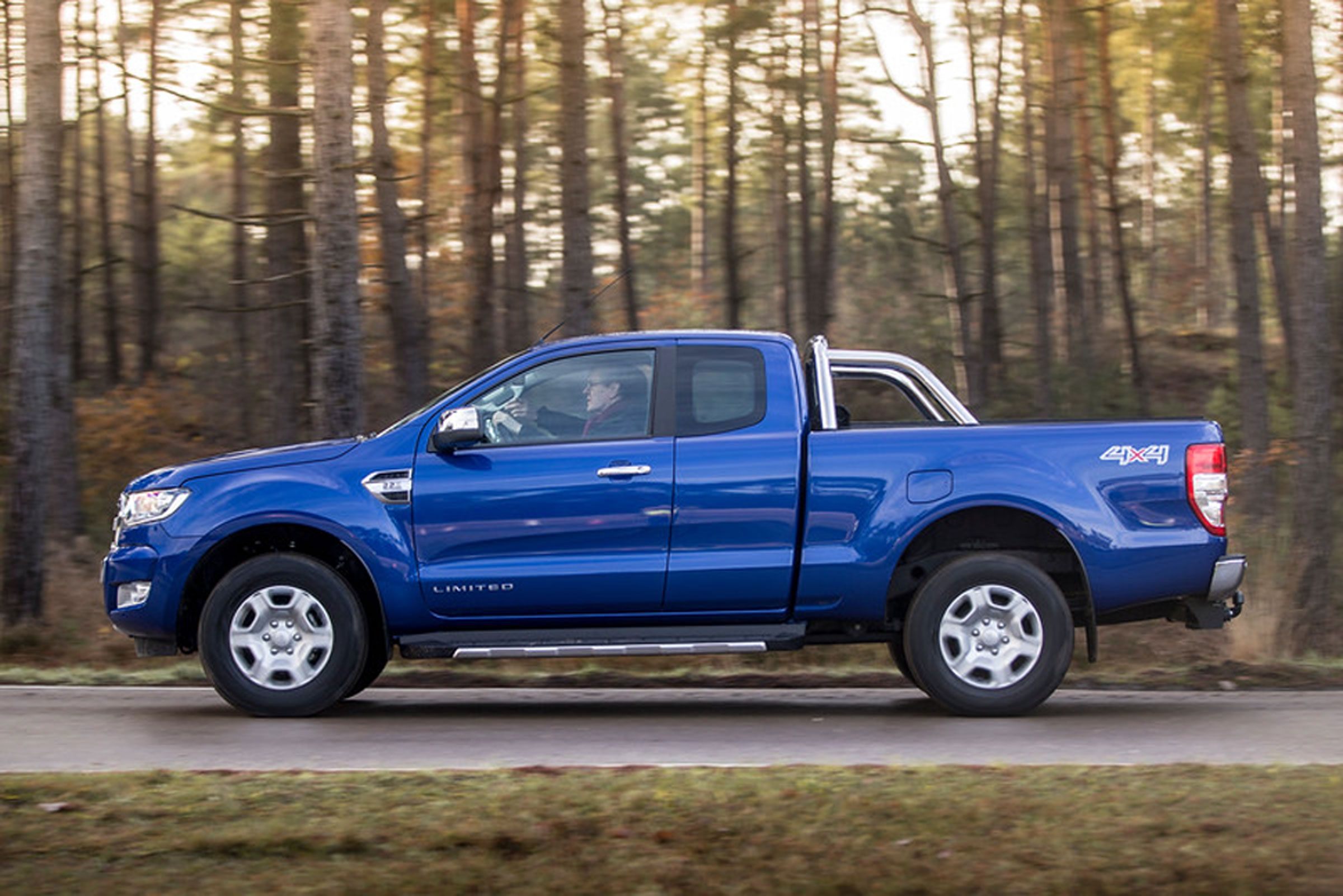 Ford Ranger Super Cab 2 Limited 4x4 Side To