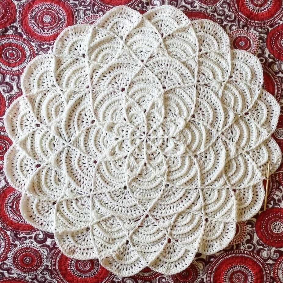 Flower Puddles Ripples Blanket pattern by Madlandia Forever | Häkeln