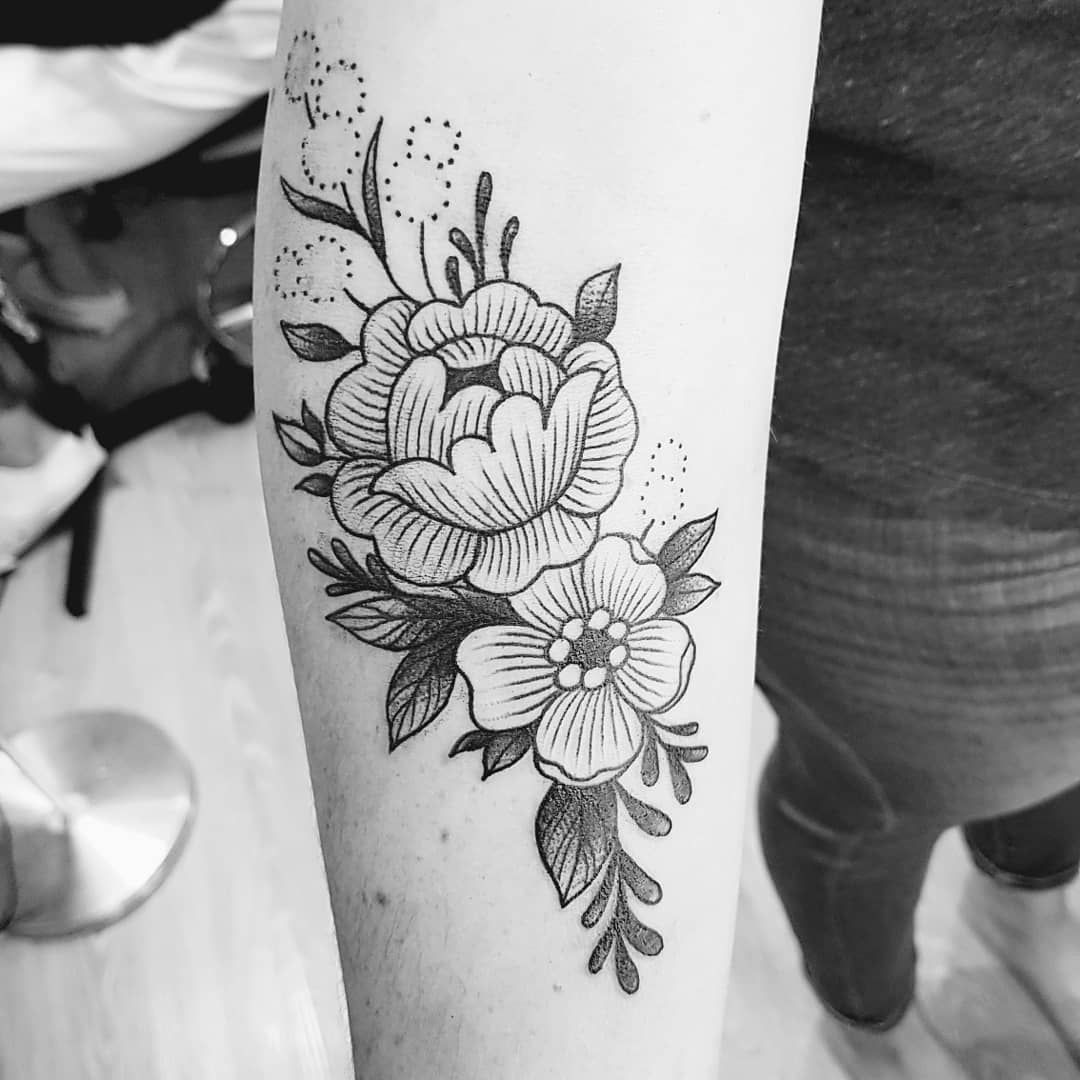 Armelle Stb Tattoo On Instagram Freehand On Bettina Merci Swipe Right To See The Sketch Done Chez Me Tattoos Small Tattoos For Guys Piercing Tattoo