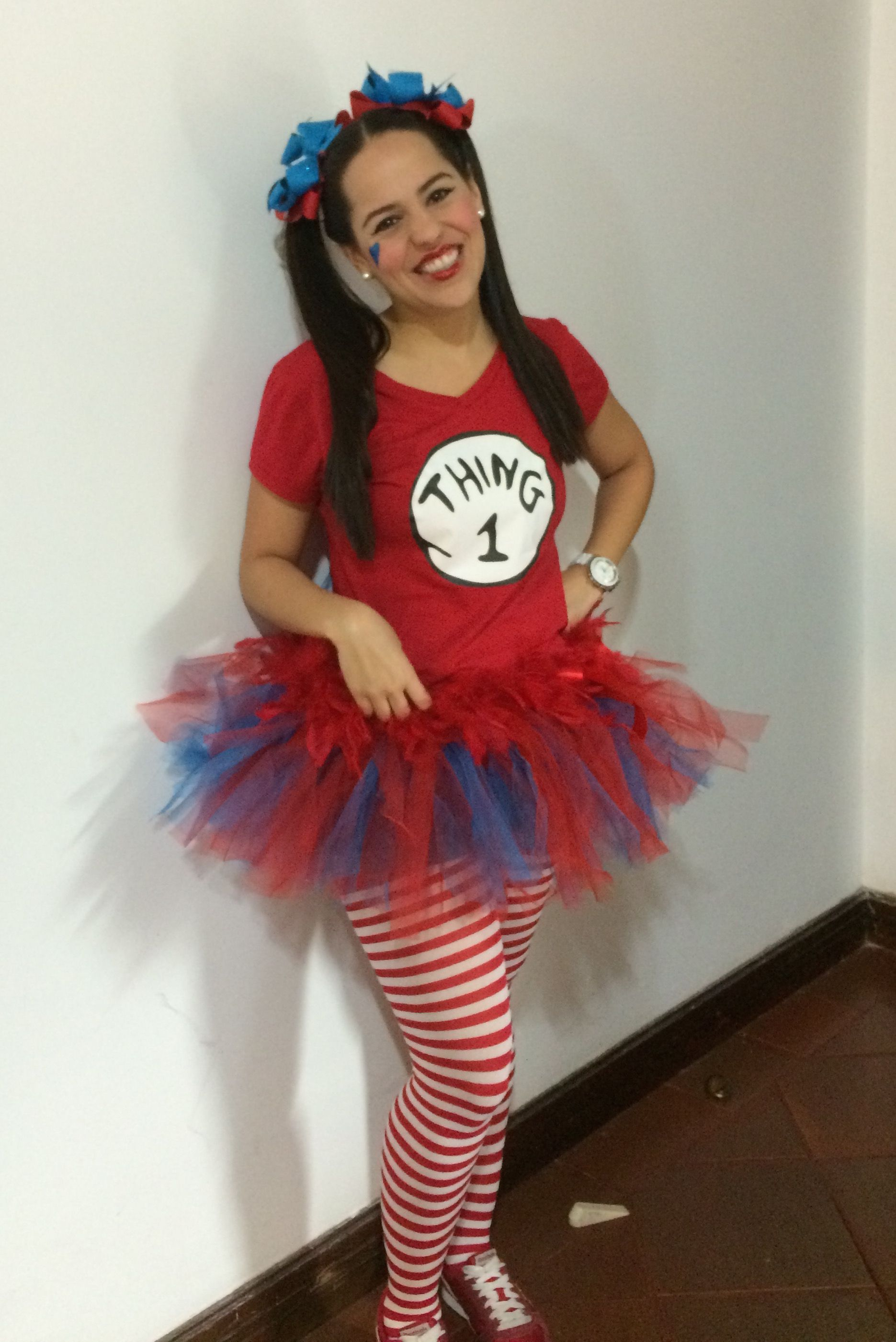 thing 1 cute girly costume kindergarden teacher costume halloween costume
