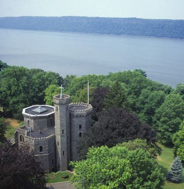 CMSV castle  | College of Mount Saint Vincent, Riverdale, Bronx, New York City | higher education CMSV #phinpride