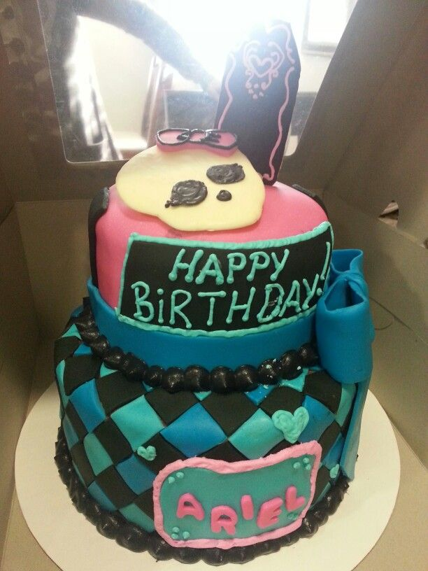 Monster High cake. (One of the first cakes I ever made)