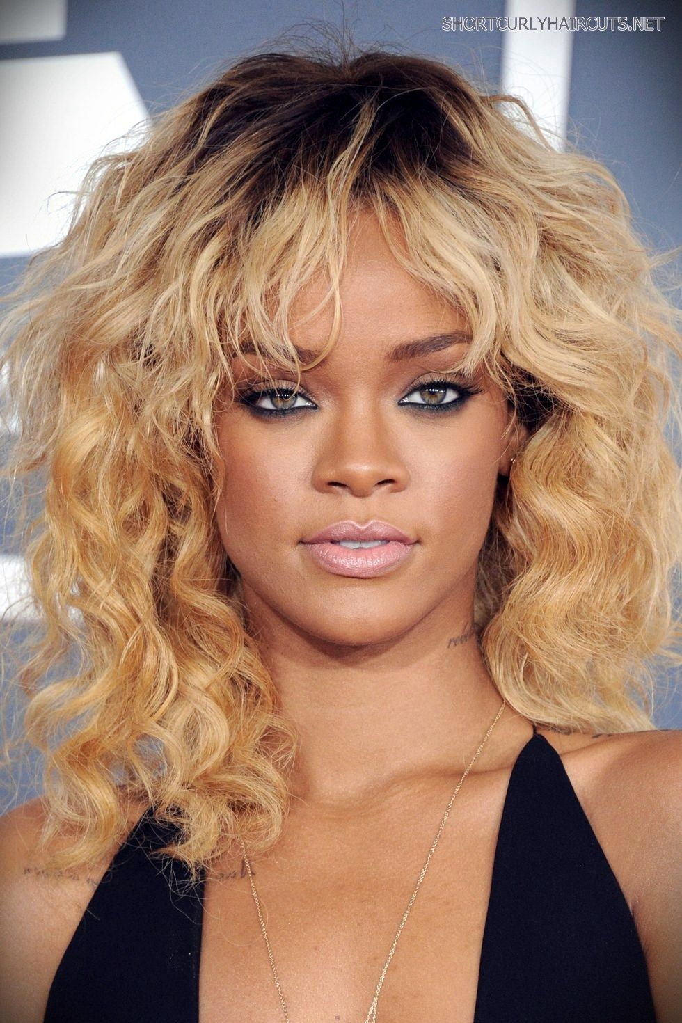 20 Gorgeous Haircuts For Medium Wavy Hair Trend Short And Curly