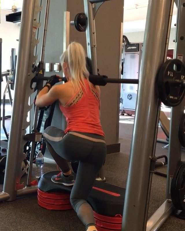 ready for this booty burner & builder?! elevated deep curtsy lunges, having that extra weight on your stable foot from the smith machine allows for even more glute activation when you push back up through that heel!  .  12 reps per leg 3 rounds! . .  Today's FULL booty workout is up on Snapchat!  TayloredFitness .  @taylored_workouts @taylored_workouts