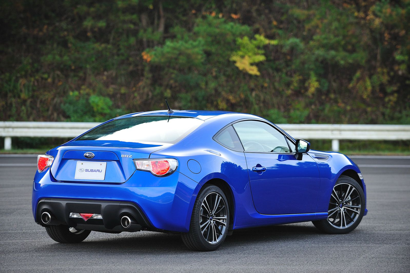 Subaru Brz Interior Revealed Makes Video Debut Subaru Brz Subaru Brz Interior Cool Sports Cars