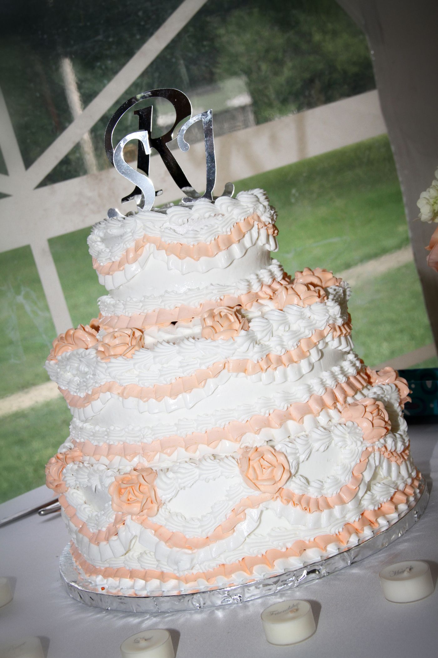 3tiered wedding cake from super walmart only 100