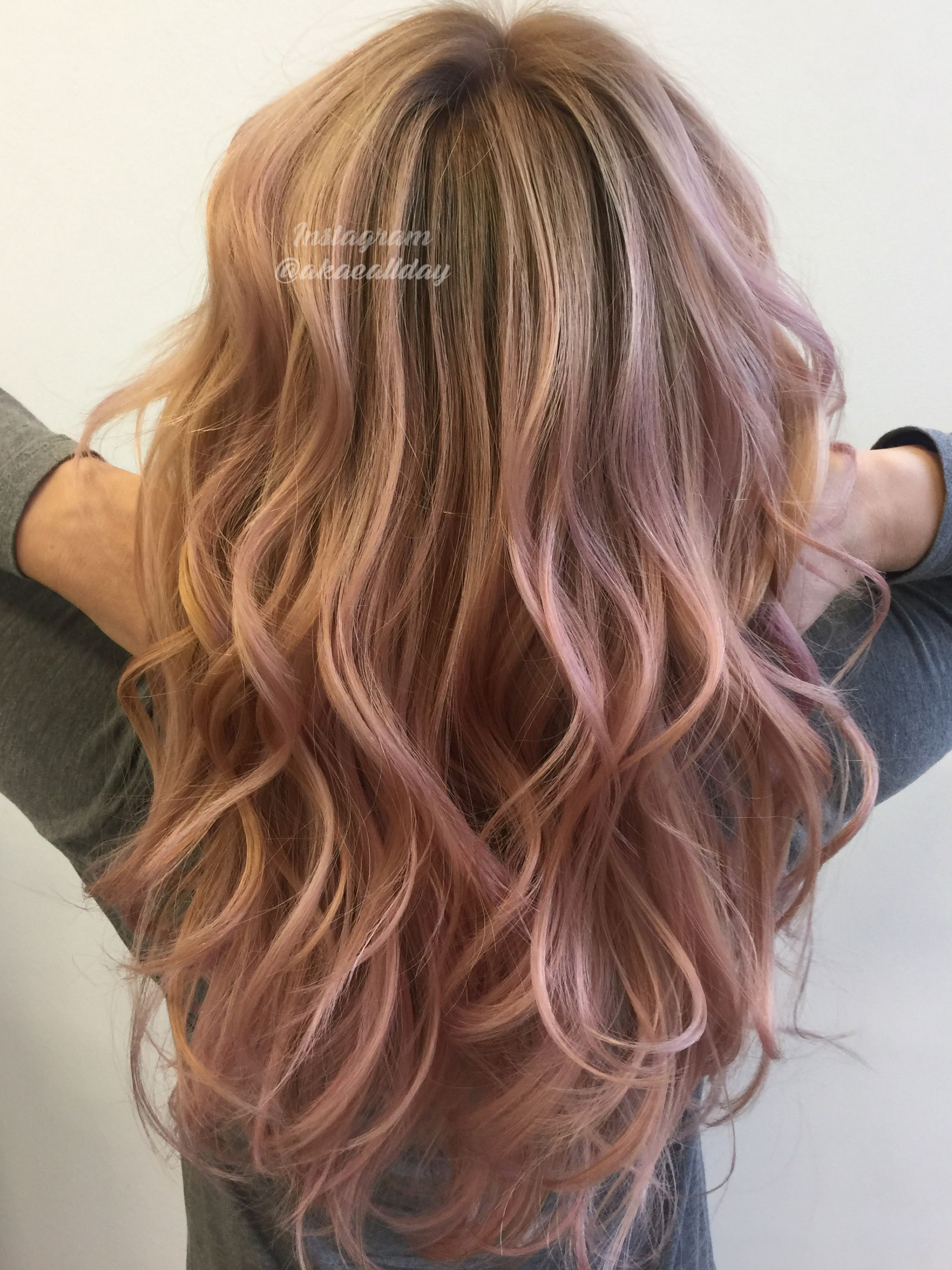 Rose gold pastel balayage blonde ombré layers beach waves the hair