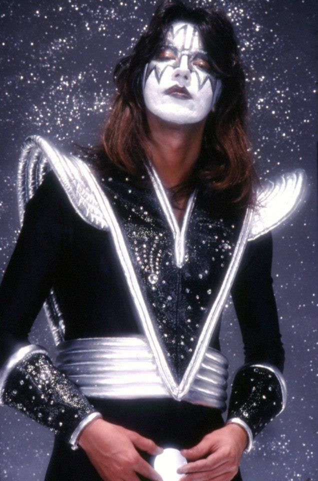 Pin By Amber H On Kiss Ace Frehley Kiss Band Kiss