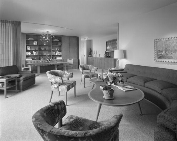 interior of apartment on lake shore drive in chicago | may 1953 | #vintage #1950s #home #livingroom