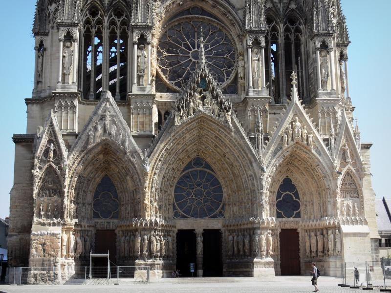 Reims Catedral De Notre Dame Gótica Portal De La Fachada Occidental Medioevo Rinascimento