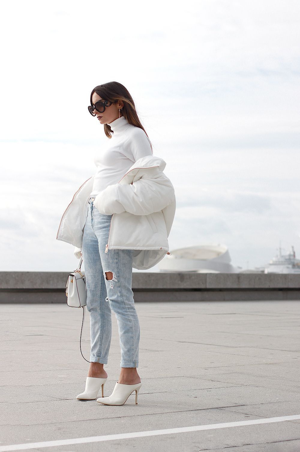 7 Ways To Look Chic In A Puffer Jacket The Edit Winter Jacket Outfits Puffer Jacket Outfit White Puffer Jacket [ 1509 x 1000 Pixel ]