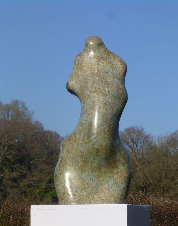 nude-garden-statues-photos-laura-dern-nude