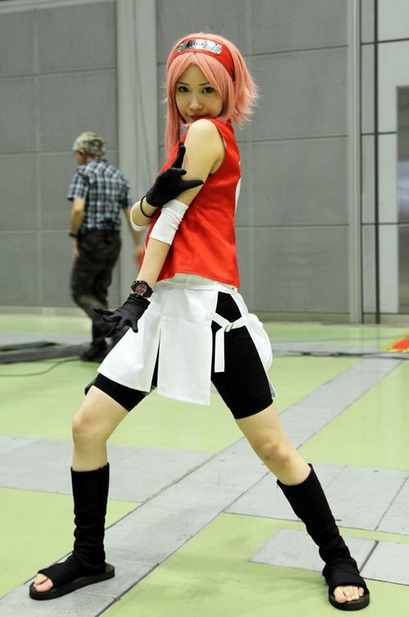 This Sakura cosplay is pretty good! Naruto anime