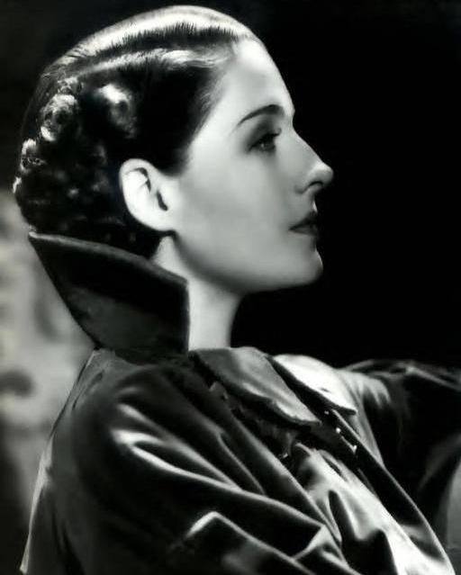 Todays 1930's hair and make up inspiration Norma Shearer (August 10, 1902 – June 12, 1983)