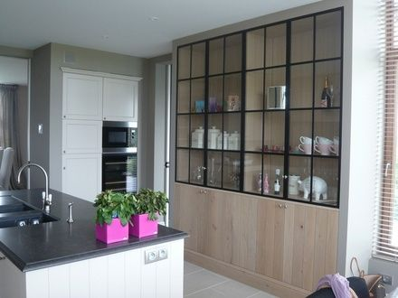 Landelijke eiken keuken wandkast massief eik www for Interieur verkest