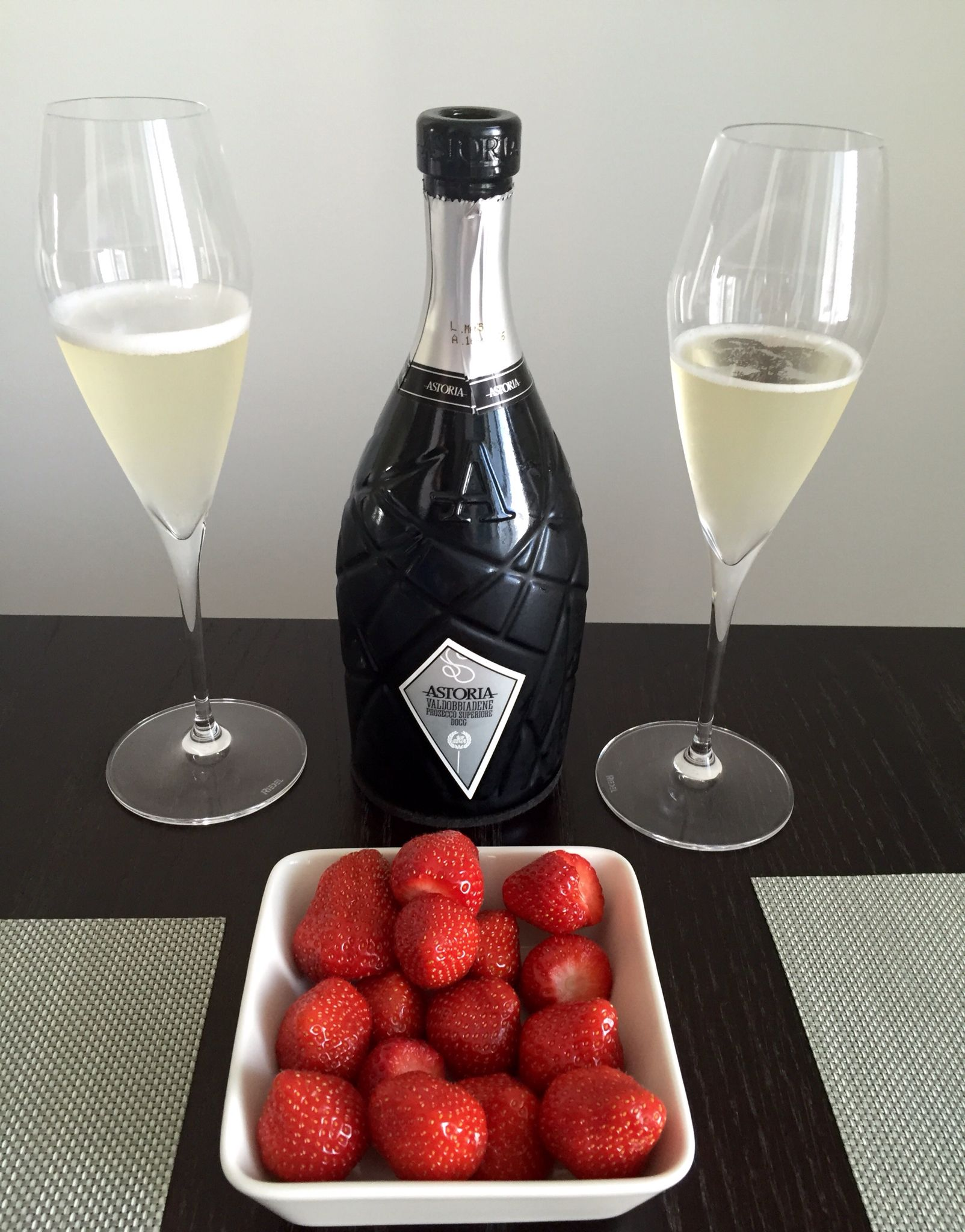 Prosecco Astoria With Finnish Strawberries Wines Alcoholic Drinks Prosecco