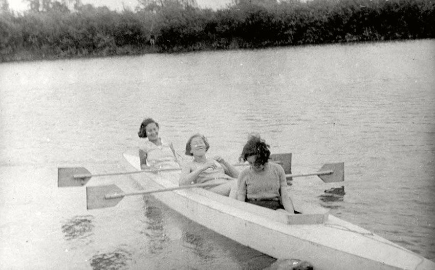 Oswiecim, Poland, 1933, Girls rowing on the Sola River.  They were murdered during the war. On the right is Chava Dochleuter. On the left is Gezela Band.  Gezela Band was born in Oświęcim, Poland in 1914 to Mendel and Helena. She was a housewife. Prior to WWII she lived in Oświęcim, Poland. During the war she was in Tarnow, Poland. She was murdered in 1944 in Tarnow at the age of 30.    Chava Dochleuter née Akerman had been a member of WIZO. She was murdered during a deportation.