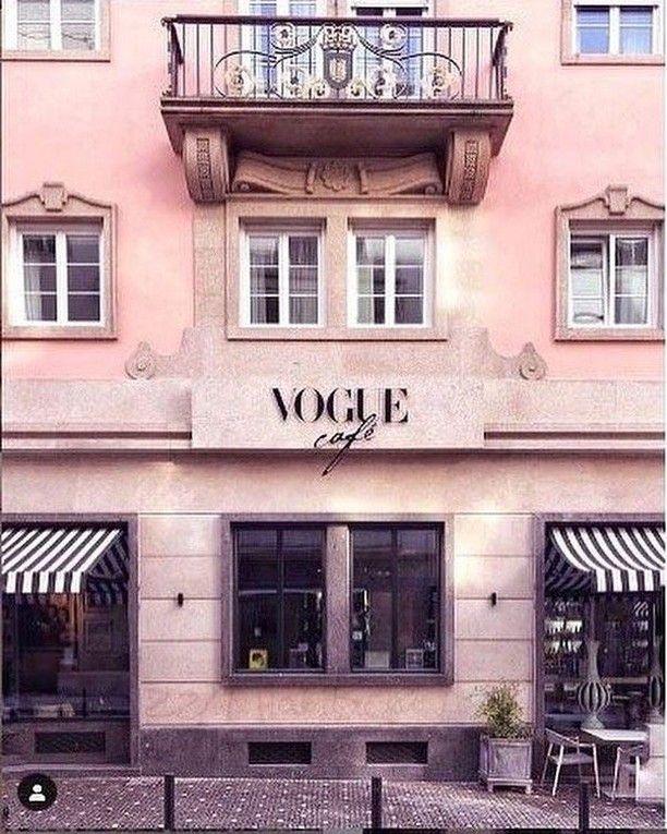 "VOGUE Germany on Instagram: ""Wo wir jetzt gerne einen Café trinken würden... ️ #VogueCafé #Porto #VogueLiving (Foto: @wisteria_voyage) | @voguegermany"""