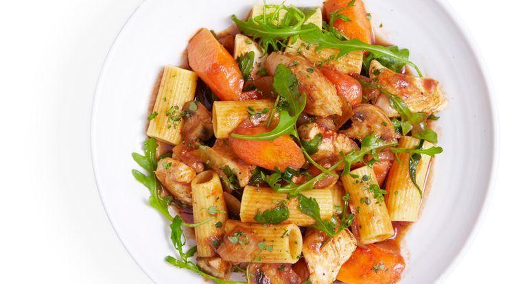 Huhn, Rucola, Thymian und Pasta Stew Rezept -
