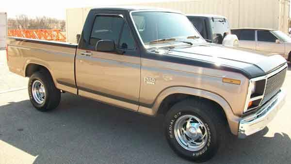1982 Ford F150 Lariat Blue Oval 80 86 Ford Trucks Ford