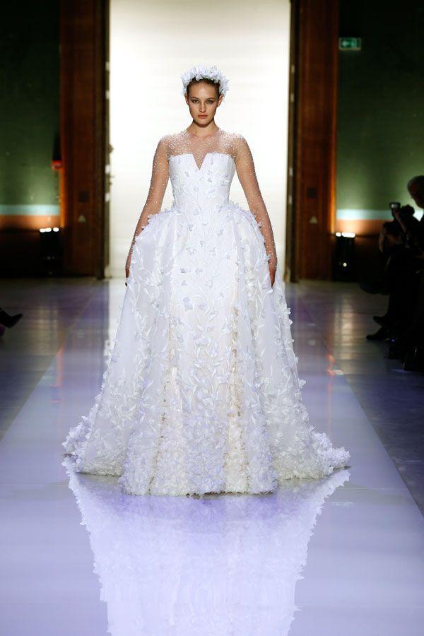 Desfile de Georges Hobeika primavera-verão 2014   O blog da Maria. #casamento #vestidodenoiva #branco #plumas #GeorgesHobeika