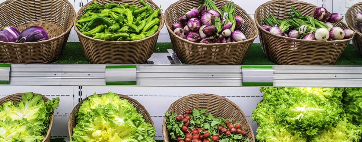 Vegetables to eat on the Candida diet: asparagus, broccoli, cucumber, onions, tomatoes
