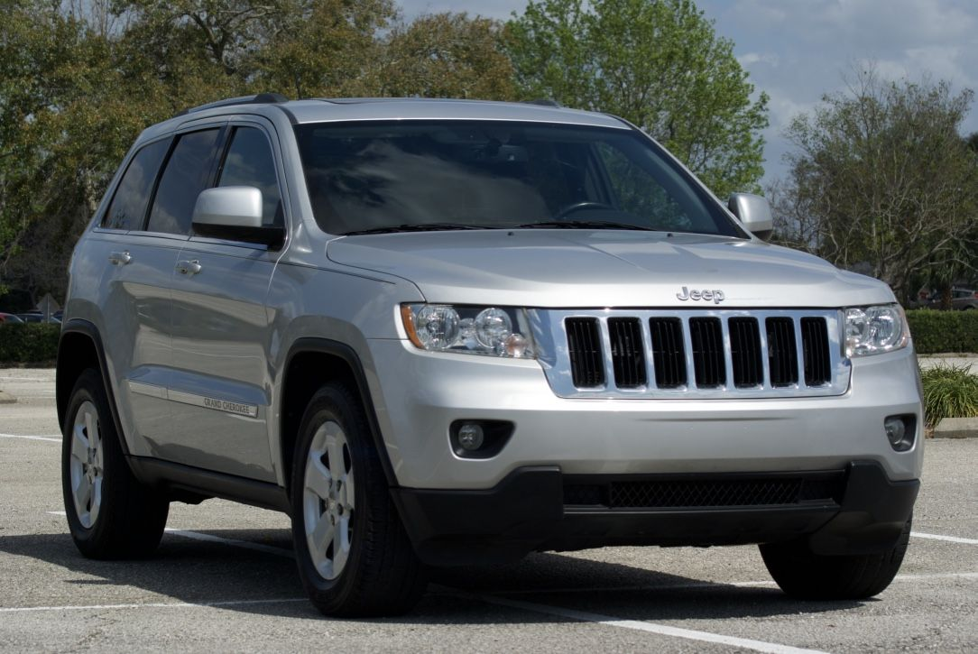 2011 Jeep Grand Cherokee Laredo V8 Rwd With Images Jeep Grand