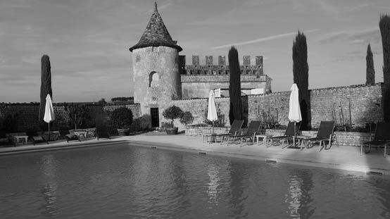 Logis du Fresne, castelo medieval transformado em hotel de luxo, perto da fábrica onde GREY GOOSE é engarrafada, em Cognac. #insidegreygoose #levoyage