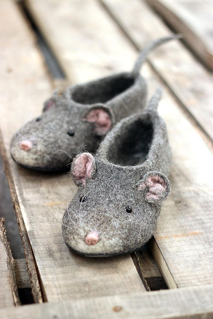 Mouserat custom slippers handmade felted personalized natural eco wool comfortable flat shoes  Filzen