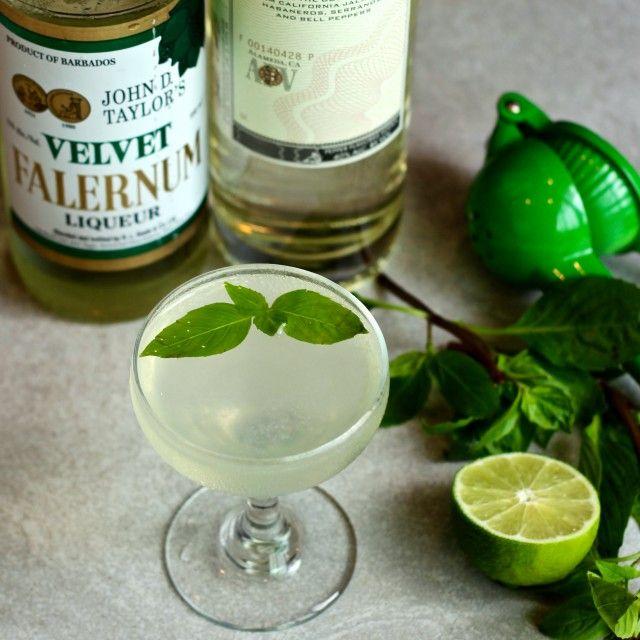 Home Bar: Green Chile Gimlet | Turntable Kitchen #homebar #stpatricksday
