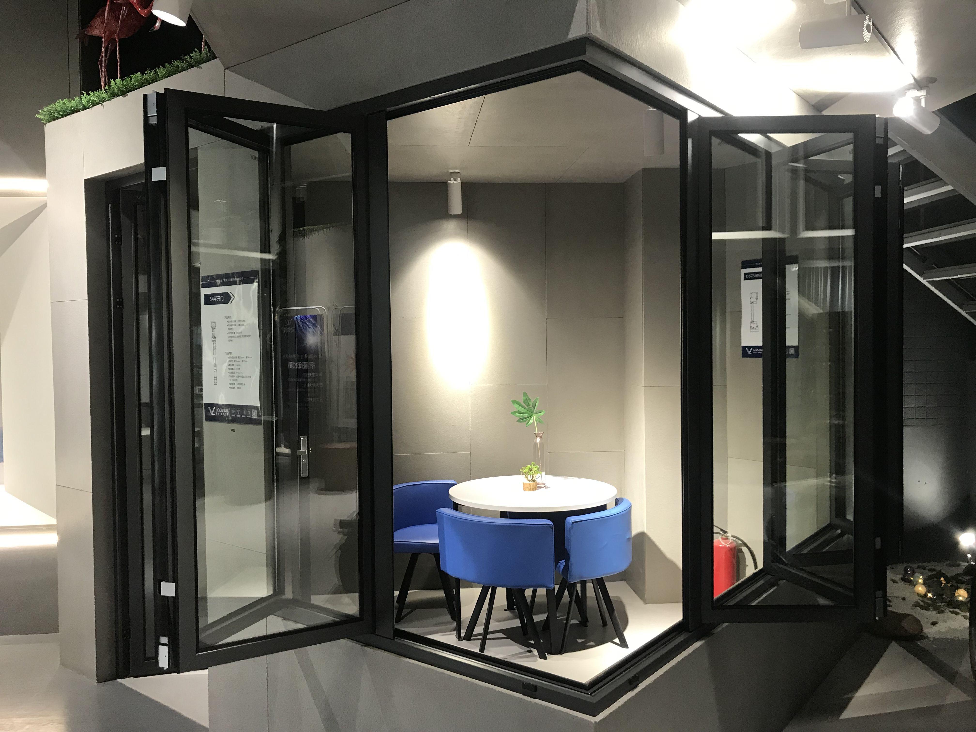 Aluminum Corner Bifold Window And Door In 2020 Aluminium Windows And Doors Aluminium Windows Corner Window