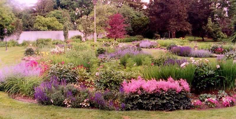 english garden design characteristically english gardens are groups of clusters of plants