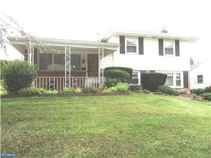 225 Warren Boulevard, Broomall PA 19008 Home for sale. http://www.anthonydidonato.net/wordpress/2012/07/31/225-warren-boulevard-broomall-pa-19008-home-for-sale/# Please Contact Me for more information about this home for sale at 225 Warren Boulevard, Broomall PA 19008 and other Homes for sale in Delaware County PA and the Wilmington Delaware Areas:  Anthony DiDonato Cell Number: (610) 659-3999 Email: anthony@anthonydidonato.com