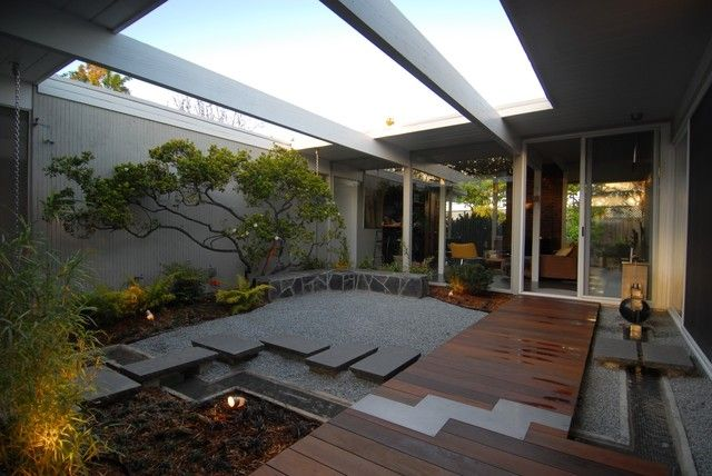 The atrium of a Joseph Eichler tract home. | Architecture ...