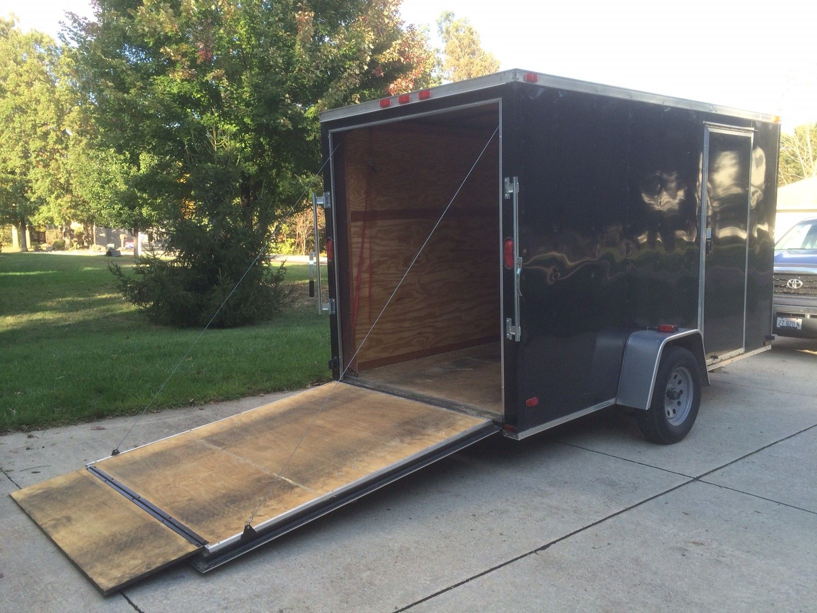 2013 Enclosed Trailer In Smithstuff S Garage Sale In Effingham Il For 2300 2013 Black V Nose Enclosed Trailer6 X 12 Single A Garage Back Doors Latest Cars