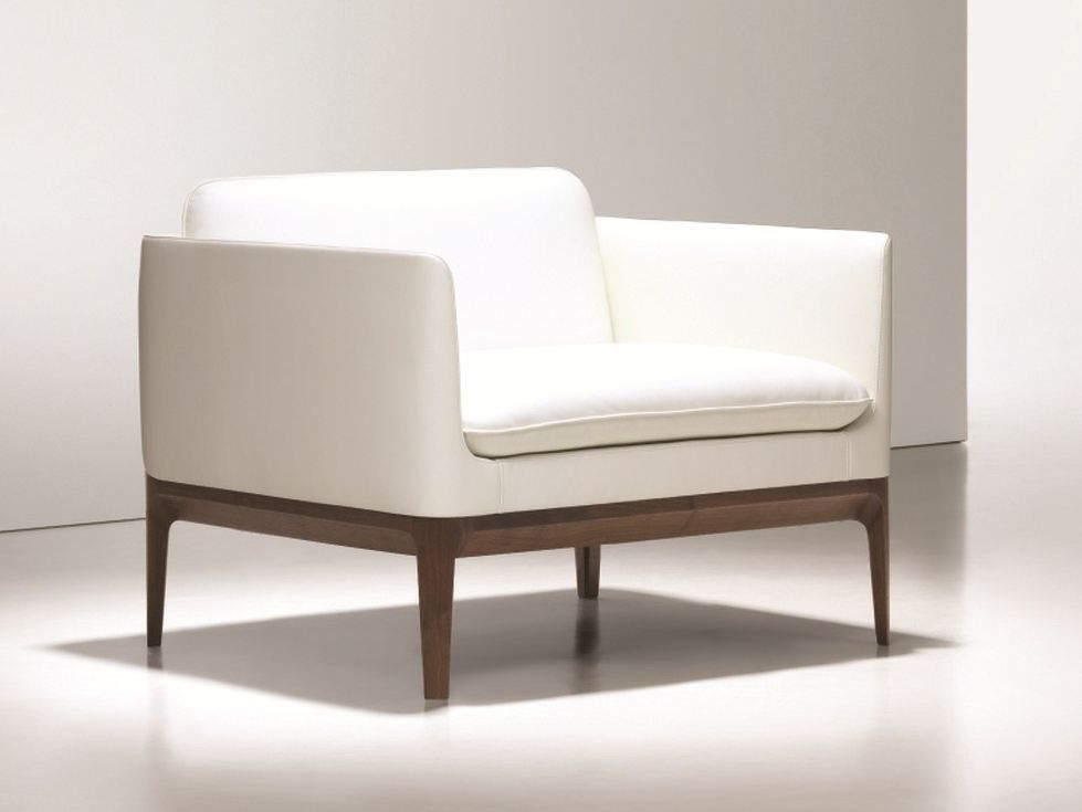 Upholstered leather armchair with armrests ATLANTIC by NURUS | design CuldeSac