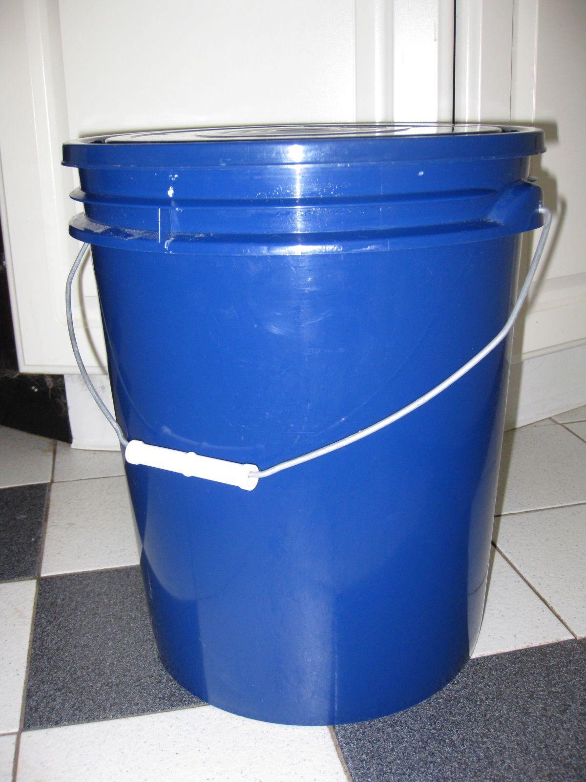5 gallon bucket with lid Bucket With Lid, 5 Gallon Buckets, Homemade Laundry Detergent